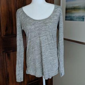 Gap heathered gray t shirt